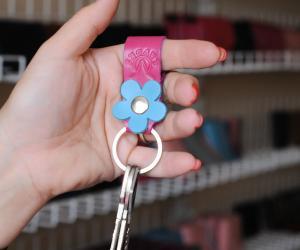 Брелок для ключів «Квіточка» Шкіра: Крейзі хорс